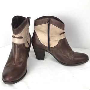 Eric Michael Brown Tan Leather Booties Sz 39 / 9